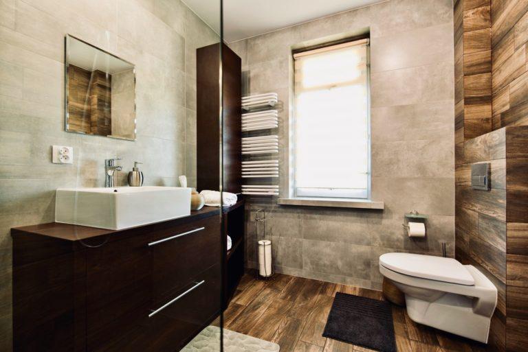 Łazienka w pokoju deluxe w agroturystyce na Podlasiu