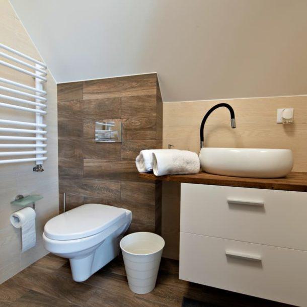 Biebrza noclegi łazienka w pokoju Leniwa Wydra